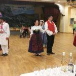 Démonstration de danses traditionnelles. Le public s'y est vite pris au jeu.