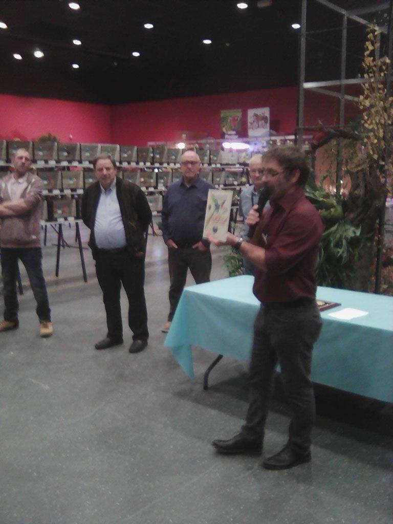 Michel Meyer présente le trophée