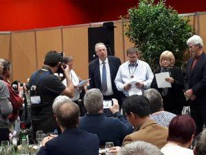 Jenny & Geoff Stolberg, éleveurs de diamants mandarins, venus d'Australie sur l'invitation de Frédéric Bivert.